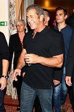 Mel Gibson byl oproti odpoledni naladěn večer velmi dobře