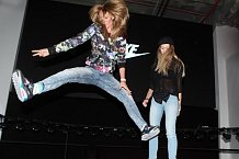 Štoudková a Moravcová na trampolíně řádily jako malé holky.