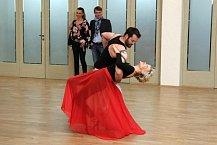 Vášnivé tango v podání Vaška Noida Bárty a Jany Švandové.