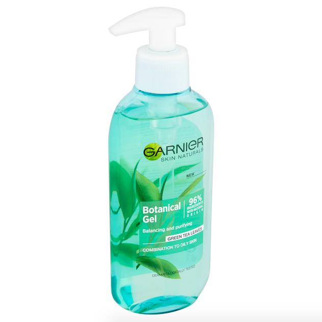 Čistící pěnivý gel z řady Botanical, Garnier, cena 100 Kč.