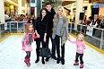 Romana Jáklová přivedla kromě dětí i bratra s přítelkyní