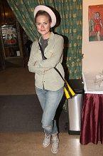 Emma Smetana nosí velmi neobvyklou kabelku. Podívejte se na detail...