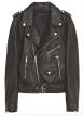Mým nejoblíbenějším kouskem v šatníku je kožený křivák, hodí se naprosto ke všemu. ZARA, 2999 Kč