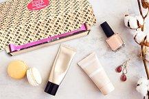 Beauty box FAB5IVE. Objevíte v něm pět kosmetický produktů od různých značek. Cena 498 Kč. Více info na www.fab5ive.com.