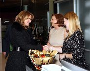 Hana Heřmánková s majitelkou salónů Franck Provost Marií Mixovou a PR manažerkou Zuzanou Vilímovskou (vpravo).