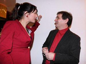 Tereza Kostková si se svým manželem Petrem Kracikem měla co povídat.