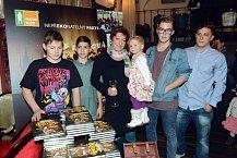 Scénáristka a spisovatelka Lucie Paulová má pět dětí. S pohádkami má tedy bohaté zkušenosti.