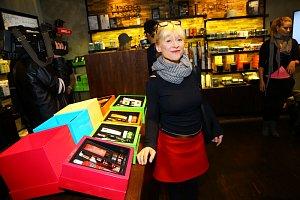 Dana Batulková se s nástrahami kosmetického průmyslu umí poprat.