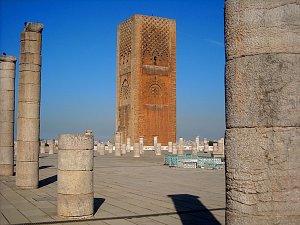 Hassanova věž ve městě Rabat