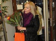 Dagmar Havlová přinesla kytici a za minutu byla zase pryč