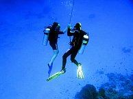 Milovníci potápění si zde přijdou na své.