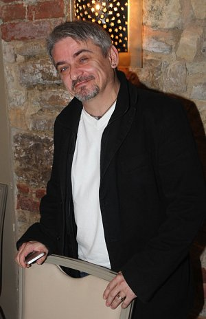 TK ke komedii Vecirek autoru Michala Suchanka a Ondreje Sokola.