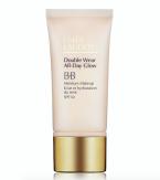 Hydratační makeup Double Wear All Day Glow BB, který osvěžuje, hydratuje a rozjasňuje. Estée Lauder, cena 1290 Kč.
