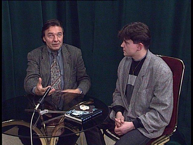 """Mirek Vaňura: """"Tahle fotka je z jara roku 1995 a vznikla ve studiu východočeské televize VideoPuls, kde jsem tehdy moderoval."""""""