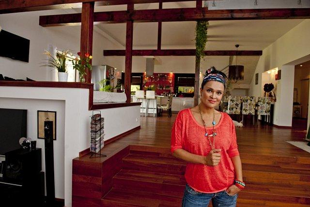 Mahulena Bočanová ve svém domě snů.