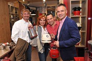 Marcela Holanová s přítelem, Pavel Vítek a Janis Sidovský