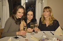 Módní redaktorka Erika Partyková, kosmetická redaktorka Monika Grafková a fotoprodukční Vendula Kvapilová