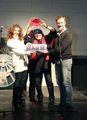Křtu DVD Klauni se kromě Borise Hybnera účastnili i režisér Viktor Tauš a jeho manželka Eva Jeníčková.