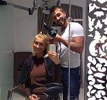 Jednou z nejvěrnějších klientek Tomášova salonu je Dominika Mesarošová