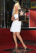 Christina Aguilera si svou hvězdu hned pošlapala