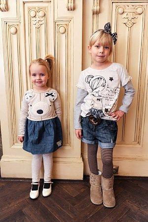 Katčina tříletá Claudia a Martinova osmiletá Ema nejprve ukázněně pózovaly