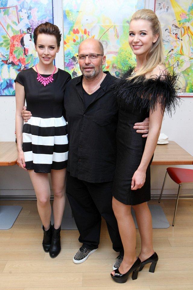 Známému šéfkuchaři přišly za kmotry České Miss Gabriela Kratochvílová a Gabriela Franková.