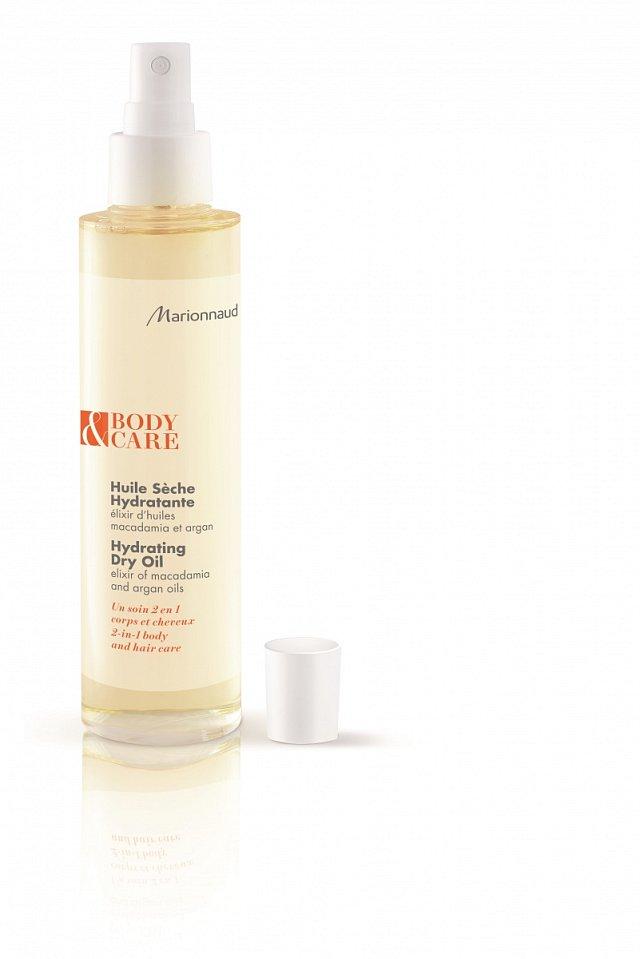 Hydratační elixír obsahující arganový olej, který pokožku regeneruje, makadamový olej, který působí proti vysoušení pokožky, a vyživující bambucký a měsíčkový olej. Marionnaud, cena 379 Kč.