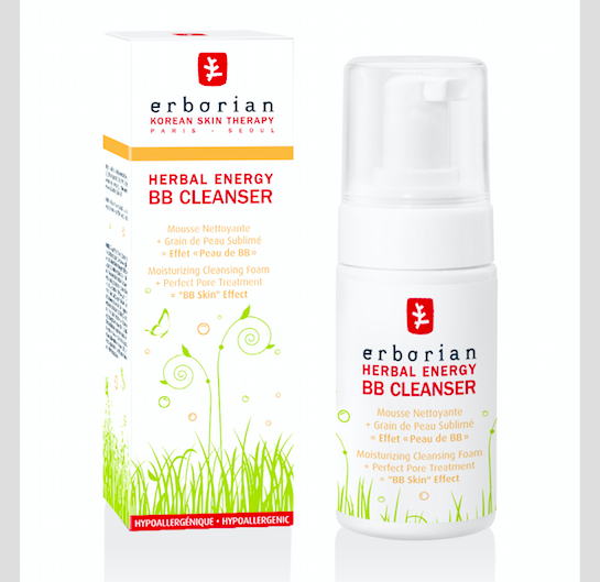 Jemný bylinný BB odličovač ERBORIAN HERBAL ENERGY BB CLEANSER, K dostání v síti parfumerií Marionnaud, 90 ml za cenu 599 Kč.