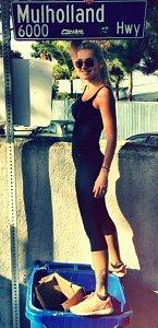 Z LA zamířila Dara do města hříchu Las Vegas. Prý se tam v casinu potkala s Miley Cyrus.