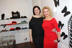 Herečka a moderátorka s módní návrhářkou Taťánou Kovaříkovou