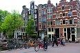 Cihlové domy jsou pro Amsterdam typické