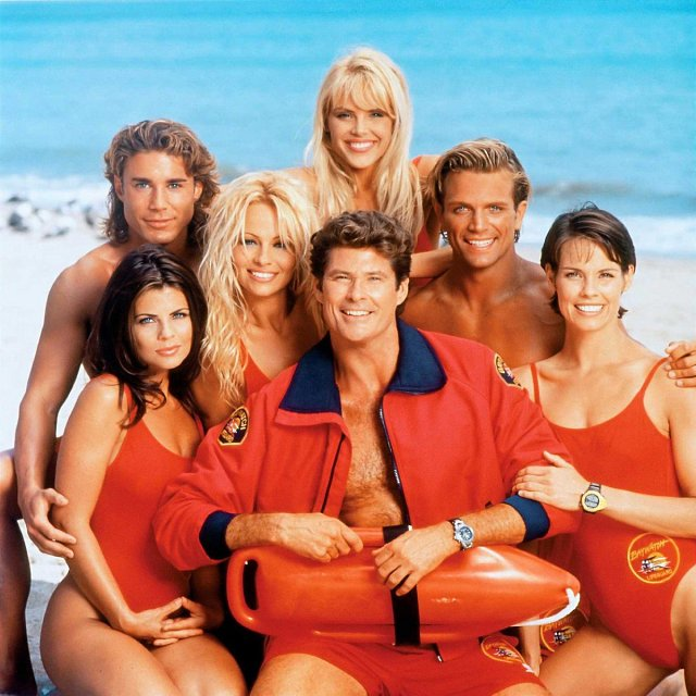 David a herečtí kolegové ze seriálu Pobřežní hlídka.