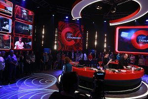 Top Gear a Česko vaří s Pohlreichem živě mají dost podobná studia.