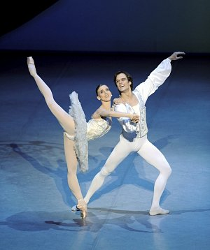 Filip Barankiewicz _Theme and Variations (c) Stuttgart Ballet – kopie