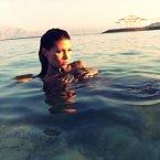 V Mrtvém moři je rozpuštěno tolik soli, že voda nadnáší.