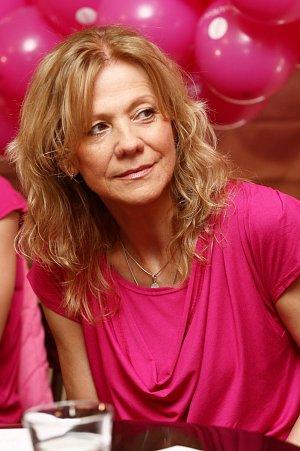 Lenka Filipová boj proti rakovině prsu zpříjemní některou ze svých písní.