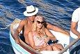 Zpěvačka Beyoncé v náručí svého manžela.