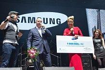 Společnost, která koncert spolupořádala, Kapce naděje věnuje milion korun.