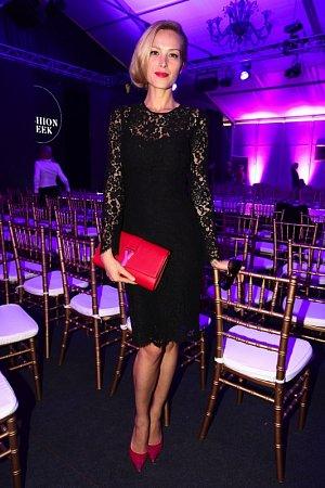 Překrásné krajkové šaty jen podtrhly krásu Petry Němcové.