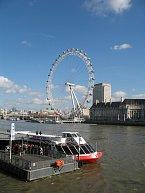 Pokud nebudete mít výhledu dost z festivalu, zajděte se projet na London Eye.