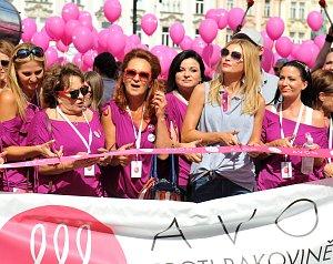 Avon pochod vyšel letos až na druhý pokus
