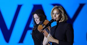 Leona Lewis performing A380