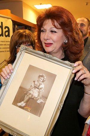 Saskia Burešová ukázala i fotografii z dětství.