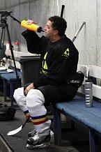 Ani při hokeji se nesmí zapomínat na pitný režim.