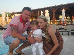 Markéta Fuxová Divišová s manželem a dcerou