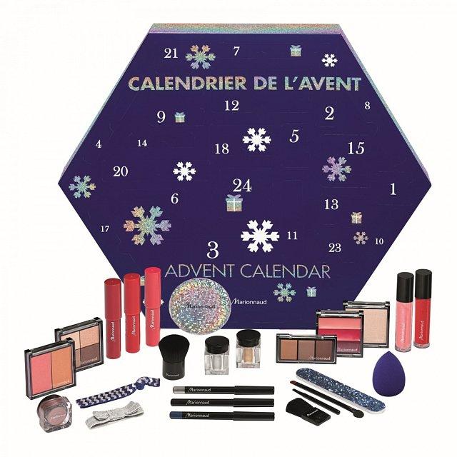 K dostání v síti parfumerií Marionnaud za cenu 899 Kč.