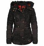 Zimní kabát, Different.cz, Desigual, cena 4899 Kč.