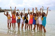 """""""Konečně v moři,"""" hlásaly nadšené krásky na ostrově Mauricius."""