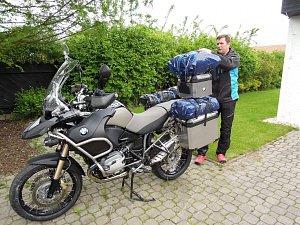 Moderátor si už bez motorky svůj život nedokáže představit.