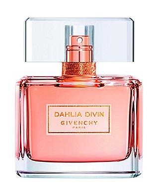 Delikátní dřevito-květinová vůně plná slunce, šťavnatého ovoce s nádechem růžového zlata. Dahlia Divin má báječnou schopnost vyzdvihnou ženskou jedinečnost a auru. Givenchy, EDT 50 ml, 2180 Kč.